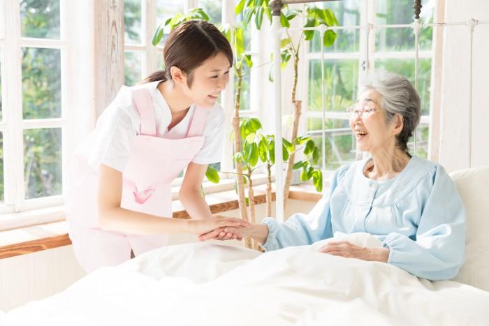 【人柄重視・ブランクOK・駅徒歩5分】老人ホームで介護業務 イメージ